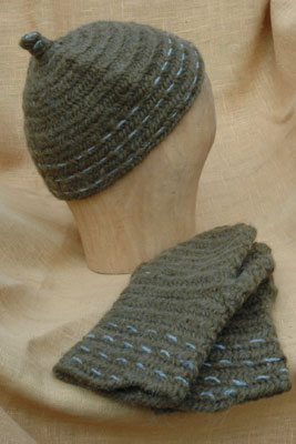 Needlebinded hat and mittens